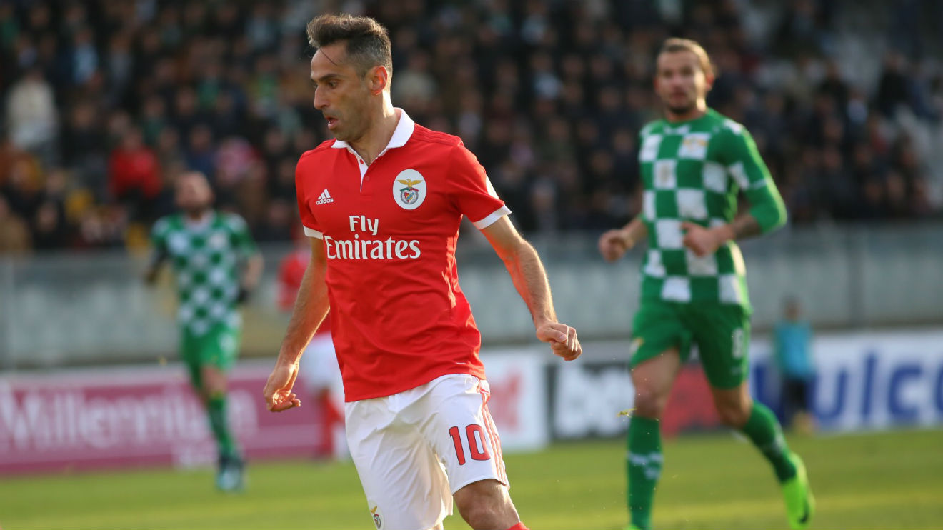 The goal from the Benfica forward against Moreirense allowed him to  maintain the top spot among the players who score more goals in the Top 10  leagues of ... 06e1ba81c5ba8
