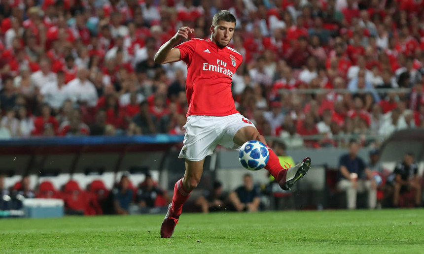 Ruben Dias formado no Benfica   Campus em jogo pelo Sport Lisboa e Benfica